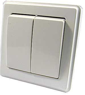 Vypínač č.5 dvojitý plochý pod omítku bílý DOPRODEJ