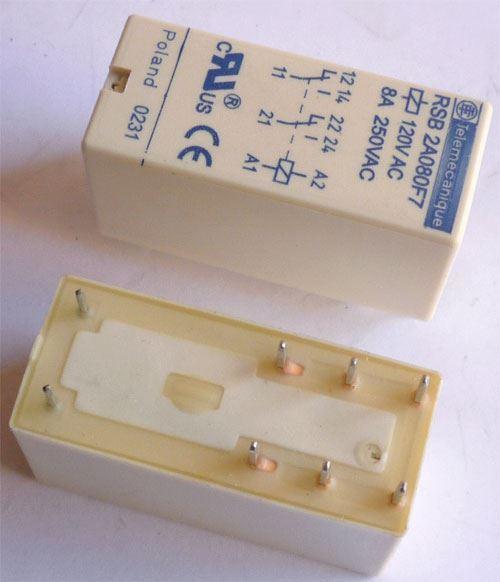 Relé RSB2A080F7 120V AC, kontakty 250V/ 2x8A