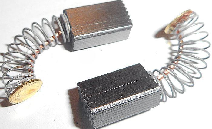 Uhlík 5,5x5x22mm