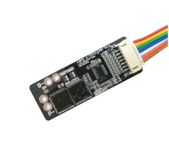 Ochranný obvod a balancér pro 7 Li-Ion článků 3,7V, proud do 25A