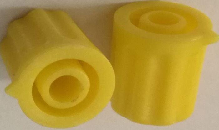 Přístrojový knoflík, 12x13mm, hřídel 4mm, žlutý s šipkou