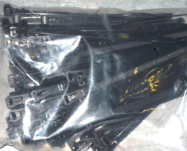 Stahovací páska uvolnitelná 7,2x250mm černá, balení 100ks