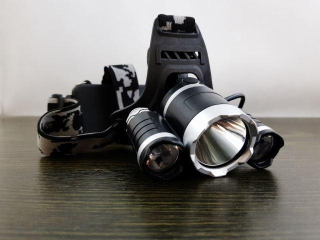 Svítilna LED 3x CREE T6, čelovka, 2x nabíjecí aku Li-Ion 18650