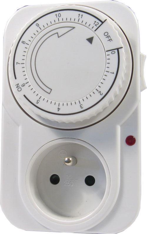 Časový spínač, spínací zásuvka 230V s rozsahem 12min. - 12hod