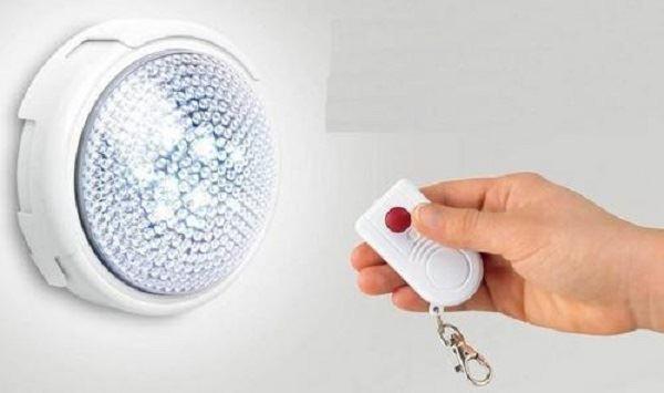 Dotykové svítidlo s dálkovým ovládaní LED