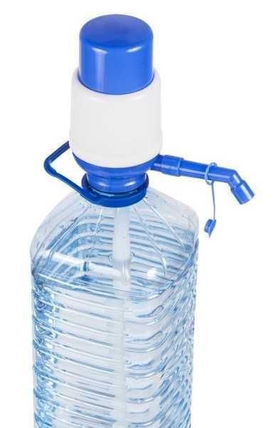 Ruční pumpa pro výdej vody z barelu